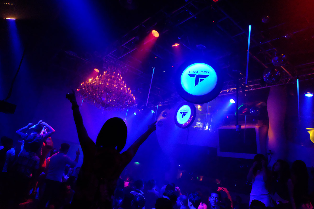 Zouk Singapore, main room with Ferry Corsten. Fuji X-T1, Fujinon 16-55mmF2.8 lens