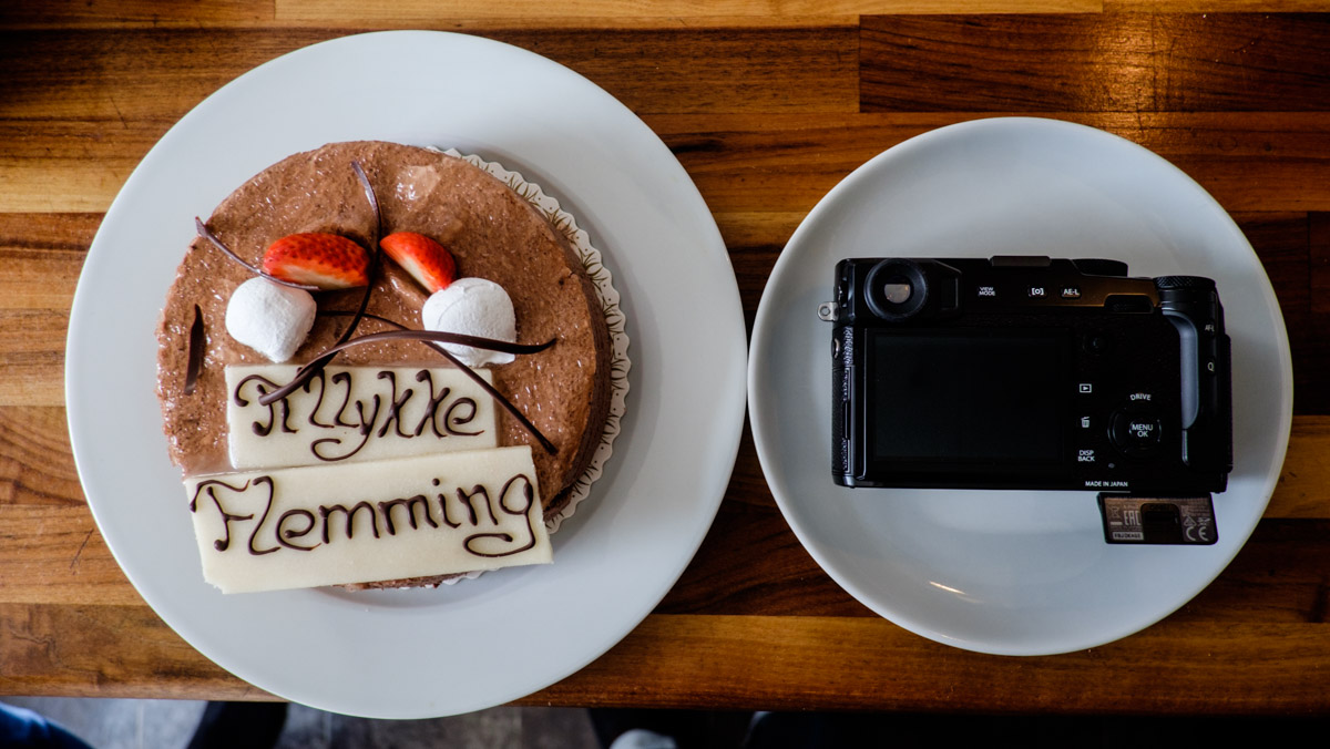 Finally, for dessert, a cake from my mother with my name on it - and a X-Pro2 camera from Fujifilm, also with my name on it !