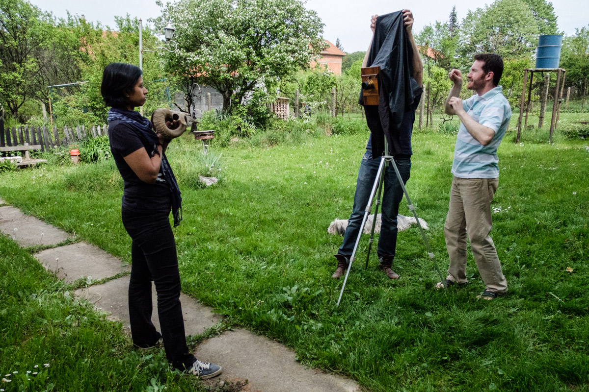 """""""Look how long my arms are"""". Charlene and Oki the dog looks suitably impressed, Darko clearly thinks I am the best student ever judging by his body language! (picture by Marija Konjikušić)"""