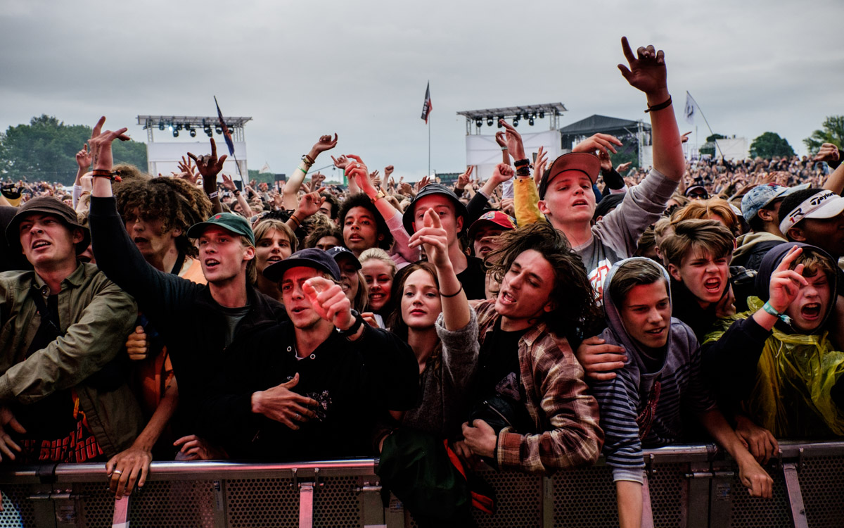 I really like hip hop but Young Thug was absolutely horrible. Clearly, the Young Crowd listening to the Thug disagrees and thinks I am just an old grumpy man!