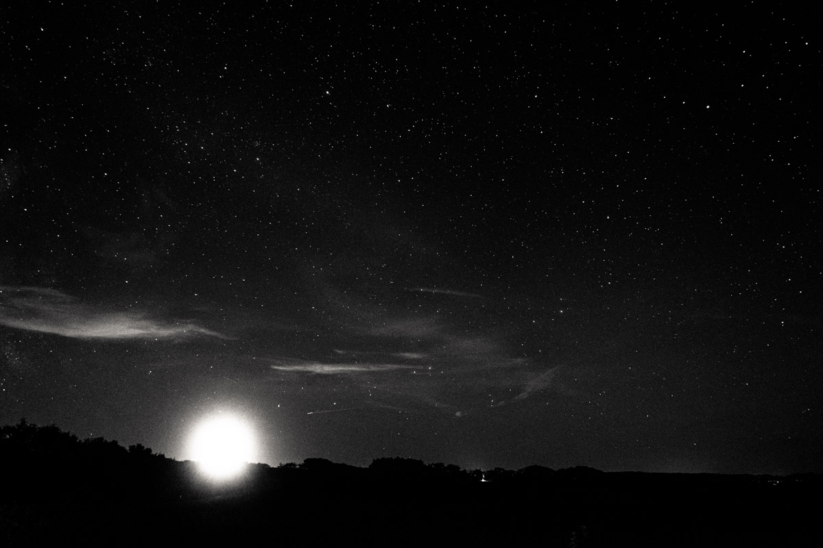 X-T2, 18mm lens, ancient tripod found in my father's closet, a moon and the stars.